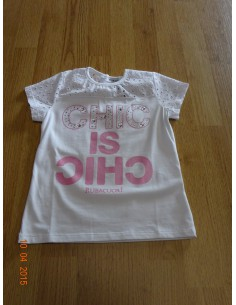 Ruba Cuori: t-shirt met chic is chic tekst